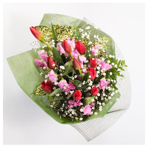 赤・ピンクのお任せ花束